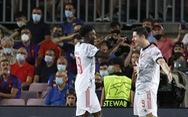 Lewandowski lập cú đúp, Bayern Munich đè bẹp Barca ngay tại Nou Camp