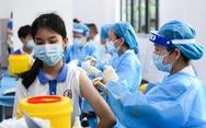 Trong 2 tháng, Trung Quốc tiêm ngừa COVID-19 gần đủ cho học sinh trung học