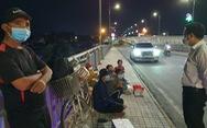Đôi vợ chồng cùng 2 con nhỏ lội bộ 3 ngày đêm ở Đồng Nai đã được tỉnh Tây Ninh đón về quê