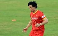 Đội hình ra sân tuyển Việt Nam: Văn Toản, Tấn Tài, Công Phượng đá chính