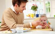 Cho trẻ ăn bổ sung hợp lý