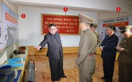 Triều Tiên khéo léo khoe tên lửa đạn đạo mới