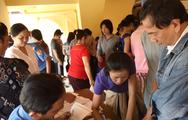 Hàng trăm tiểu thương chợ Bình Tây vui mừng ngày nhận sạp