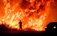 Video: Cận cảnh cháy rừng khủng khiếp ở Mỹ,  nhà của nhiều ngôi sao Hollywood bị thiêu rụi