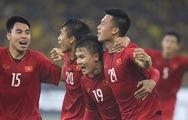 Clip Huy Hùng ghi bàn mở tỉ số