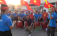 Hàng chục ngàn cổ động viên Việt Nam đang tràn về Mỹ Đình