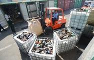 Kinh hoàng với 20 container rác điện tử về cảng Sài Gòn