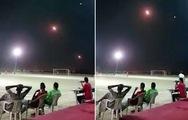 Video bóng đá Yemen: trái bóng dưới chân tên lửa trên đầu