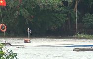 Video: Tàu chở cát đâm sà lan chở than chìm trên kênh Chợ Gạo