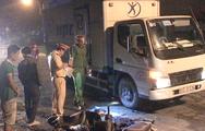 Video: Xe máy trượt ngã, một giám đốc bị xe tải cán tử vong