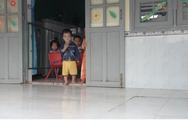 Video: Hàng trăm phụ huynh lo lắng vì con đang học trong trường lún, nứt