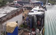 Video xe khách nổ lốp lao vào nhà dân, nhiều người bị thương