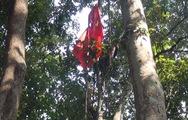 Cắm cờ trên đỉnh cao 1.500m của vùng núi Tây Giang
