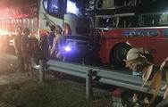 Video: Xe khách đối đầu xe tải trên đường tránh Nam Hải Vân, hàng chục người nhập viện