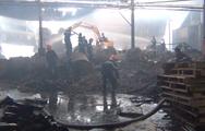 Video: Cháy lớn tại nhà máy giấy, thiệt hại khoảng trên 1 tỷ đồng