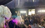 Video đám cưới 1.500 khách của trung vệ Duy Mạnh trên sân bóng Giao Tác