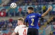 Pha phòng ngự 'siêu tỉnh' của hậu vệ Ý, đánh lừa cả cầu thủ đối phương