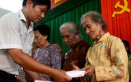 Quà cứu trợ của Tuổi Trẻ đến vùng lũ Bình Định