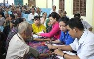 Thành đoàn cứu trợ tại vùng bão, lũ Phú Yên và Khánh Hòa