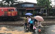 Đường sắt qua đèo Hải Vân lại ách tắc