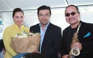 Hành khách thứ 200 triệu bất ngờ trước món quà từ Vietnam Airlines