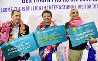 Doanh nhân người Úc trở thành vị khách thứ 6 triệu đến Sài Gòn