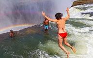 Clip du khách 'giỡn mặt tử thần' trên thác Victoria