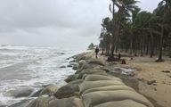 Bờ biển Cửa Đại lại tan hoang trước sóng biển