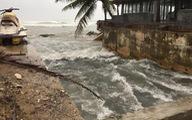 Đà Nẵng mưa lớn xé toạc bờ biển