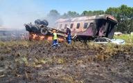 Xe lửa đụng xe tải bốc cháy, ít nhất 14 người chết