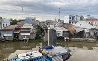 Xe tải chở 15 tấn lúa gây sập cầu Thiên Hộ rơi xuống kênh