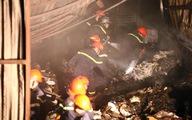 Cháy lớn ở kho thiết bị bảo hộ lao động