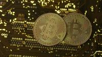 Đồng Bitcoin lại lập kỷ lục mới về giá, hơn 6.500 USD/bitcoin