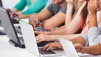 Mua laptop cho năm học mới, trúng Honda Vision tại FPT Shop