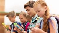 Muốn cho con dùng smatphone, cha mẹ cần lưu ý gì?