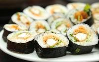 Dẻo thơm cá cam cuốn sushi