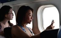 Tại sao phải mở màn cửa sổ khi máy bay cất cánh và hạ cánh?