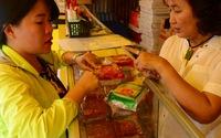 Bánh trung thu nội tăng giá, bánh trung thu ngoại dập dìu