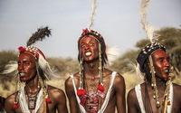 Cuộc thi nam hậu 'mắt trắng, môi thâm' ở châu Phi