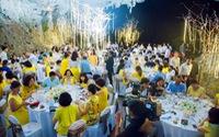 Vẫn tổ chức ăn tiệc trong hang động vịnh Hạ Long