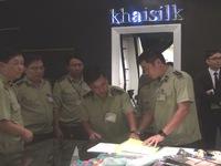 Phát hiện sản phẩm cắt nhãn mác tại cửa hàng Khaisilk ở TP.HCM