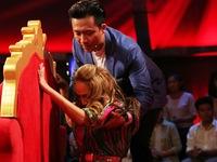 Xem clip cuộc hội ngộ xúc động giữa ca sĩ Thanh Hà và mẹ