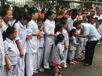 Cuộc chia tay hiếm có khi bác sĩ Nguyễn Anh Trí về hưu