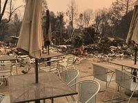 Cháy rừng Cali chưa dứt, dân phải hứng không khí độc hại