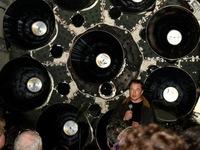 """NASA muốn """"thanh tra"""" nơi làm việc của SpaceX, Boeing"""