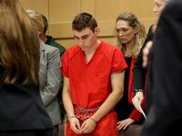 Kẻ xả súng tại trường học Florida ra tòa