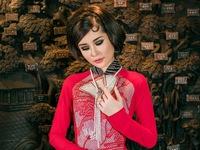 Lê Âu Ngân Anh làm người mẫu áo dài mới của Võ Việt Chung