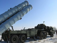 Nga khởi động hệ thống tên lửa phòng không S-400 ở Syria