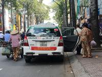 Vinasun lại kiến nghị quản lý Uber, Grab như taxi