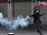 Hong Kong hỗn loạn vì biểu tình bất hợp pháp